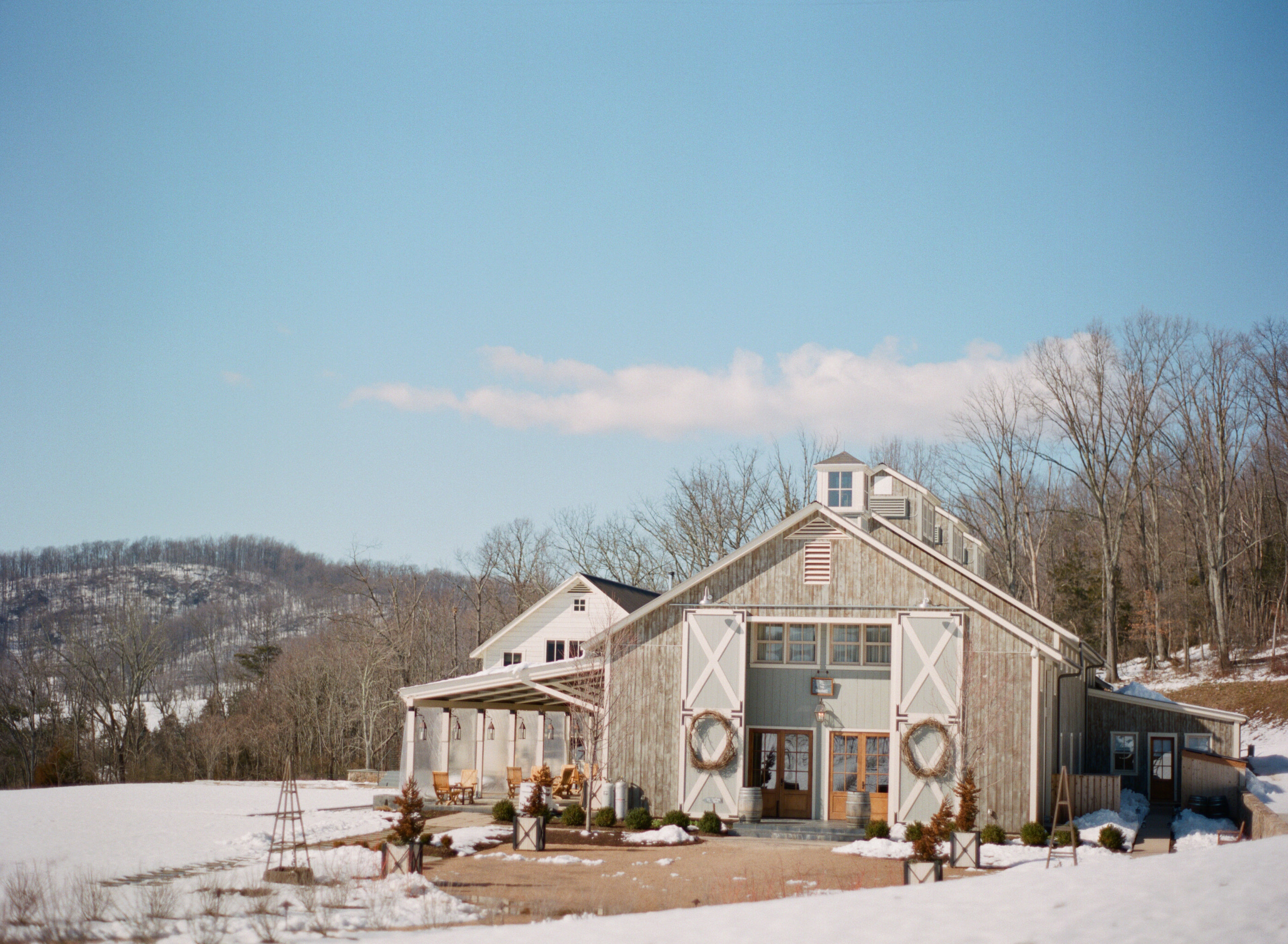 Meredith And William S Winter Wedding At Pippin Hill Farm